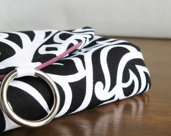 Jewelry Holder. Traveler Gift. Black and White Scroll Jewelry Travel Case. Jewelry Roll Organizer for Travel. Birthday Gifts for Women