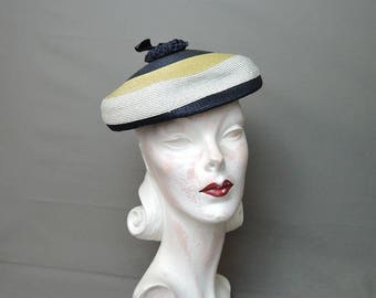 Vintage Hat 1950s Straw Tam Style Hat, Navy, Yellow & White, fits 21 inch head