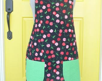 Summer Cherries in green Apron (XL)