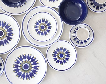 Blue Indigo Japanese Premier Colorama 'Aladin' Tulip Dish & Cup Set - 20 pc  (Service for 4)