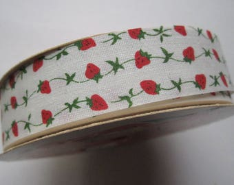 "Vintage spool WFR craft and floral novelty ribbon 7/8"" wide starched cotton w strawberry print"