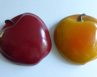 Vintage Chalkware Apple and Peach Wall Plaque
