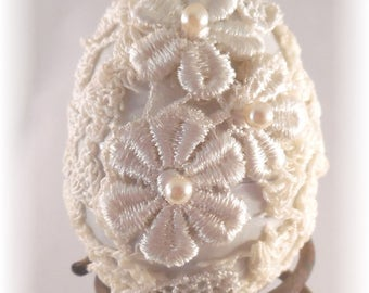 Shabby Chic Easter Egg #12 Please don't pick the Daisys,Average size