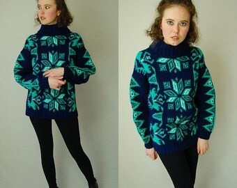 sale 25% off Chunky Wool Sweater Vintage Navy and Green Nordic Chunky Knit Preppy Wool Sweater (s m)