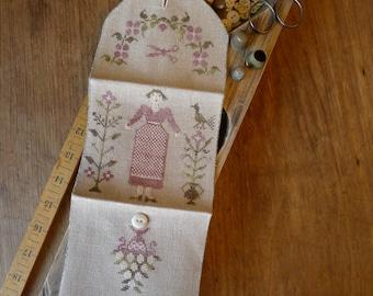 Spring Gardner Sewing Roll PATTERN