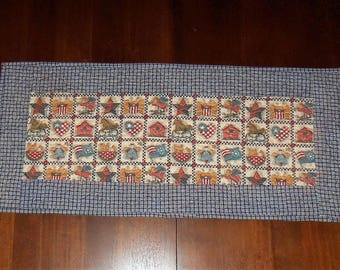 Quilted Table Runner, Americana Patriotic, Table Topper, Dining Table Decor, Fabric Centerpiece, 14x29 Inches, Machine Quilted