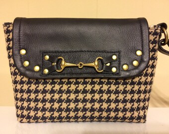 Rider's wristlet in Black and Gold Houndstooth