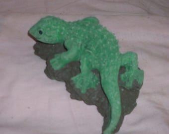 Small LATEX LIZARD MOLD for Concrete or Plaster