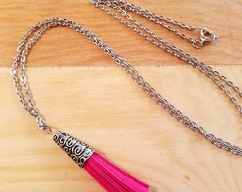 Long Leather Tassel Necklace in Pink