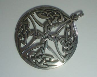 Silver pendant sterling Celtic round knotwork cross possibly Irish