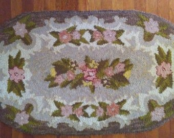 Vintage Hand Hooked Thro Rug in Oval