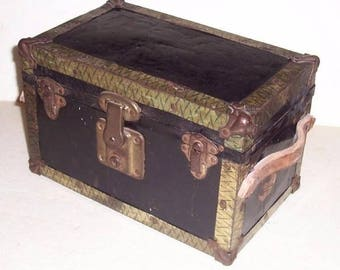 """Vintage """"Tour to Candyland"""" Tin Childs Doll Trunk w/Leather Arrow Strap Handles"""