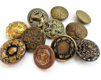 11 Antique Gold Metal Buttons - Victorian to 1940s Vintage 5/8 inch to 3/4 inch for Jewelry Beads Sewing Knitting