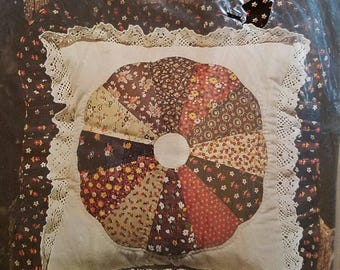 Vintage Brown Dresden Plate Pillow Kit by Yours Truly