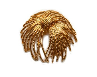 1970s MONET Signed Gold Toned Rope Brooch Vintage Pin Brooch High End Jewelry