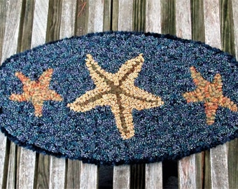 THREE STARFISH Oval Primitive Rug Hooking Kit with Cut Wool strips