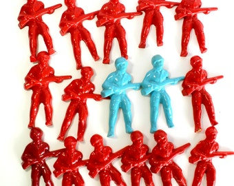 Vintage Plastic Army Men Soldier Figures Molds Game Pieces Cake Decorations Craft Supplies