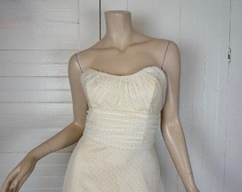 90s Wedding Dress in Polka Dot Tulle- Strapless Sweetheart, Ivory / White- Medium