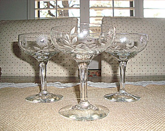 Vintage Mid Century Etched Daisy Champagne Glasses Set of 3