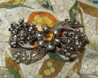 Hobe Designer Signed 1940s Topaz Glass Stone Flowers Ribbon Brooch Pin Collectible