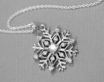 Sterling Silver Snowflake Necklace, Gift for Her, Winter Weddings, Bridesmaid Necklace, Flower Girl Necklace, Maid of Honor Necklace