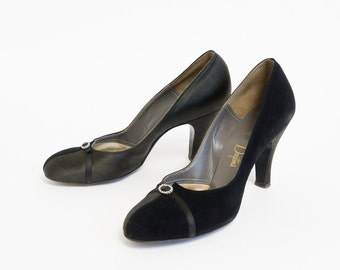 Vintage 1950s Womens Size 7.5N Shoes / De Liso Debs Pumps VGC / Black Suede and Satin, Rhinestone Accent, Cocktail Evening Formal Affair