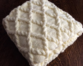 PRICE REDUCED, Chunky hand knit baby blanket, Antique White, 28x36