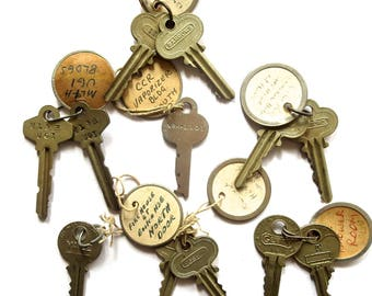 12 vintage keys Antique keys Old keys Writing Numbers Words Letters House keys Flat Rustic Bulk Interesting old keys Metal keys A1 #15