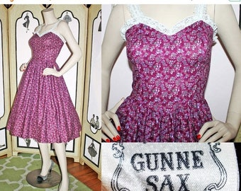20% Off Vintage Burgundy Calico and Lace Sundress from Gunne Sax by Jessica McClintock. Small.