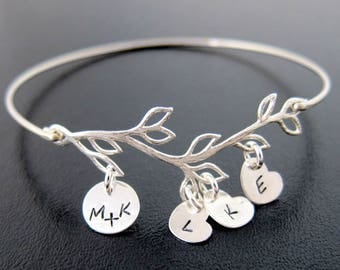 Christmas Gift Idea for Mom, Wife, Sister, Grandma, Aunt, Family Initial Bracelet with 4 to 9 Charms, Wife Gift Idea for Her, Mom Gift Idea