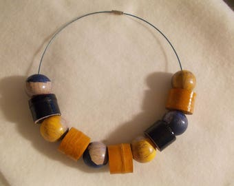WOODEN BEADS and leather CHOKER