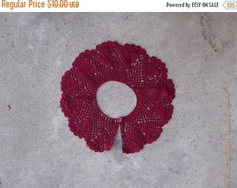SALE SALE SALE Vintage Lace Detachable Collar Magenta Hand Crocheted Peter Pan Style Fashion Accessory