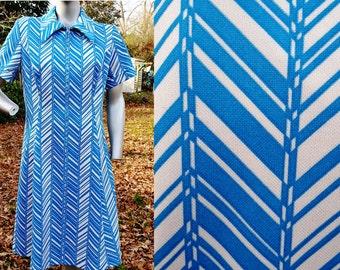 30% OFF Plus Size 70s Dress by Sears, Vintage Dress with Chevron Stripes, Double Knit Dress, 70s Costume SIze 16-18e
