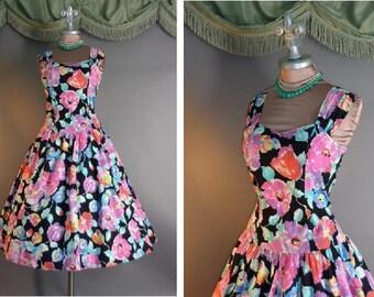 1980s dress vintage 80s COLORFUL BLACK FLORAL rose print cotton full skirt day garden party dress