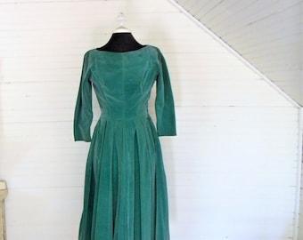 Vintage Velvet Dress, 1950s Green Velvet Dress, 50s Party Dress, Bridesmaid Dress, Kelly Green 1950s Party Dress, Bridesmaid Dress Size SM