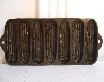 """Antique Early 1900's Cast Iron Junior Wagner Ware """"Crusty Corn Cobs"""" Bakeware"""