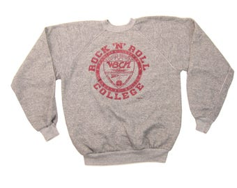 1980s Rock N Roll College Sweatshirt Vintage Retro Heather Gray 104 FM Boston Radio Station Show Graphic Strawberries Records & Tapes Large