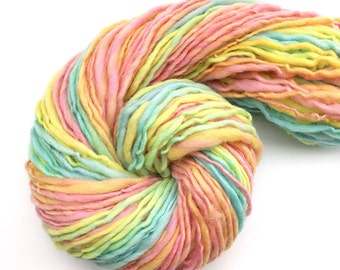 Handspun merino wool, worsted weight  - 95 yards, 1.85 ounce, 52 grams