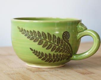 Fern leaf mug in latte style