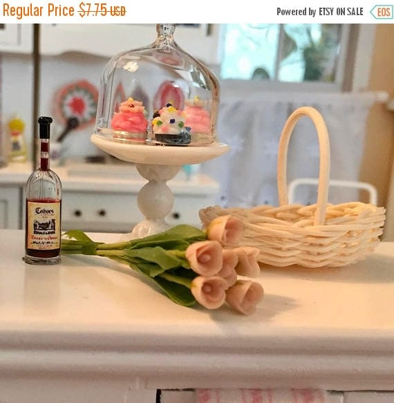SALE Miniature Tulips, Coral Colored Tulips, 6 Stem Bunch, Dollhouse Miniature, 1:12 Scale, Mini Flowers, Dollhouse Flowers, Tulip Bunch