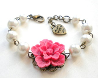 Flower Girl Jewelry Flower Girl Bracelet Pink Wedding Jewelry Flower Girl Gift White Pearl Bracelet Little Girl Jewelry Kid Bracelet