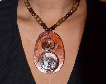 Amber and wood neckpiece set