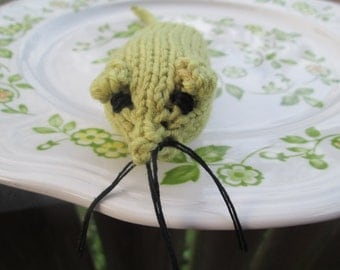 Wool Catnip Mouse by SuzannesStitches, Green Wool Catnip Mouse, Mouse Cat Toy, Organic Catnip Toy, Catnip Cat Toy, Knitted Wool Catnip Mouse