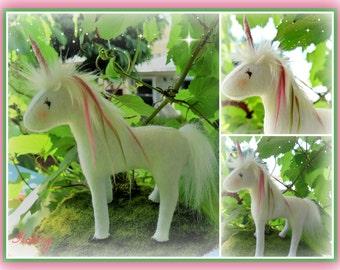 """Unicorn handmade """"Flossy"""""""