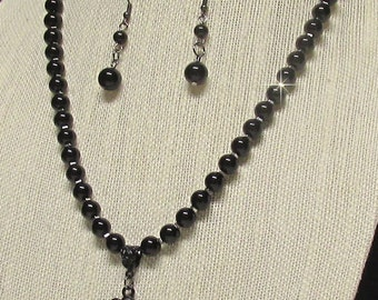 """21"""" Black Glass Pearl Necklace with Pendant"""