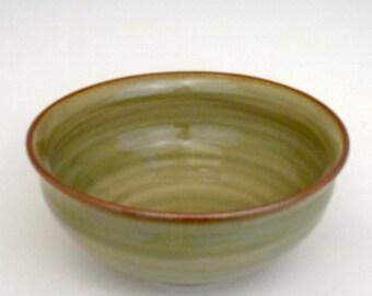 Salad or serving bowl