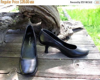 DEAD STOCK 1990s Hush Puppy Fabulous Round Toed Kitten Heel Uber Comfortable Pin Up Swing Dance Rock A Billy  Pumps Size 7