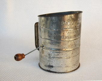 Really Rusty and Rustic Vintage Bromwells 3 Cup Measuring Sifter MADE IN USA Old Fashioned Steel Crank Sifter