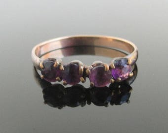 Antique Gold Tone Ring w/ Prong Set Amethyst Stones - Size 8