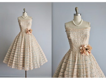50's Prom Dress / Vintage 1950's Strapless Shelf Bust Peach Aqua Tulle Prom Wedding Party Cupcake Dress XS